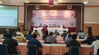 KPU Kota Depok, menggelar rapat pleno terbuka penghitungan suara tingkat kota, Selasa (15/12/2020). (Liputan6.com/Dicky Agung Prihanto)