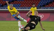 Richarlison. Striker Brasil berusia 24 tahun yang saat ini memperkuat Everton sejak 3 musim lalu ini telah mencetak 5 gol. Tiga gol dicetaknya saat mengalahkan Jerman 4-2 dan 2 gol saat mengalahkan Arab Saudi 3-1. (Foto: AP/Kiichiro Sato)