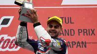 Pembalap Moto2 yang baru saja dipecat Marinelli Rivacold Snipers, Romano Fenati. (Michal CIZEK / AFP)