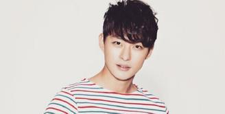 Beberapa waktu lalu, publik dikejutkan dengan meninggalnya Jeon Tae Soo. Aktor muda itu merupakan adik kandung dari Ha Ji Won. (Foto: instagram.com/taesoo1984)