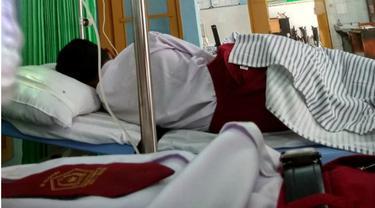 Lima Bocah SD Disengat Labah dan Dilarikan ke Rumah Sakit di Kediri