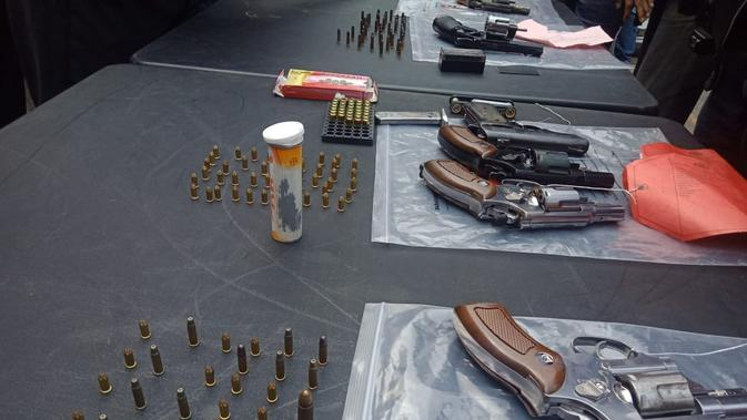BTPN Polisi Temukan Senpi dari Tersangka Pembobol Bank BTPN - News Liputan6.com