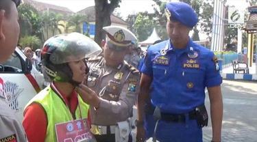 Memperingati HUT ke-72 RI, Satlantas Polres Pasuruan menggratiskan SIM gratis pada warga yang bernama Agus