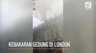 Kebakaran terjadi di sebuah gedung di Jalan Vere, London.