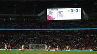 Sebelum adu penalti, koin dan laga tambahan digunakan untuk menentukan laga yang berakhir imbang. (AFP/Adrian Dennis)
