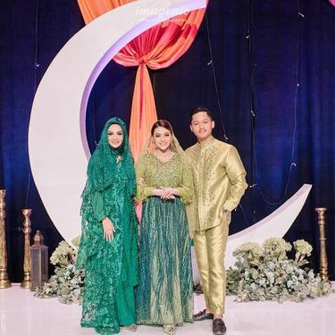 Krisdayanti, Aurel serta Azriel Hermansyah. (Foto: Instagram @krisdayantilemos)