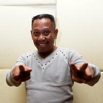 Tukul Arwana Recording Lagu Religi 'Senyum'. (Foto: Wimbarsana/Bintang.com)