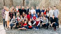 Gil dan Kelly Bates memiliki 19 anak dan 14 cucu. Sumber: Instagram/thebatesfamily