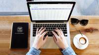 Lakukan 4 hal ini agar produktivitas Anda meningkat di tempat kerja.