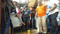 Ledakan diduga bom bunuh diri terjadi di Markas Kepolisian Resor Kota Besar (Mapolrestabes) Medan, Jalan HM Said, Kecamatan Medan Perjuangan, Kota Medan. (Liputan6.com/Reza Efendi)