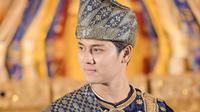 Rizky Billar Pakai Baju Adat Minang. (Instagram/aldiphoto)