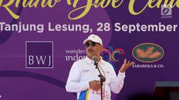 Menteri Pariwisata Arief Yahya memberikan sambutan pada pembukaan Festival Pesona Tanjung Lesung di Pandeglang, Banten (28/9). Festival yang mengusung Sport and Adventure memadukan budaya dan wisata olah raga. (Liputan6.com/HO/Nick)