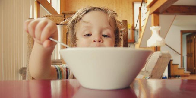 Pentingnya memberi camilan pada anak/copyright Unsplash.com/Hal Gatewood