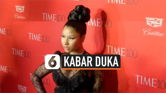 Kabar duka datang dari penyanyi Nicki Minaj, sang ayahanda meninggal setelah menjadi korban tabrak lari. Sang pelaku dilaporkan melarikan diri setelah hal tersebut terjadi.