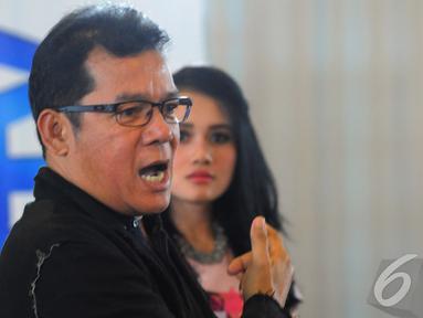 Mathias Muchus menjadi pengajar di kelas akting Micel 2014, Jakarta, Rabu (22/10/2014) (Liputan6.com/Faisal R Syam)