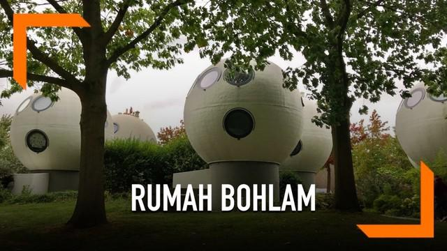 Rumah unik di Belanda ini diberi nama Bolwoningen atau Rumah Bohlam. Rumah berusia 35 tahun ini masih dalam kondisi sangat baik.