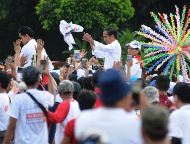 Jokowi-Ma'ruf Naik Delman Usai Konser Putih Bersatu