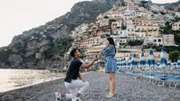 Beberapa waktu lalu Indra Priawan memang sudah melamar Nikita Willy secara pribadi. Keduanya pun dikabarkan akan menikah pada bulan Oktober 2020 mendatang. (Instagram/nikitawillyofficial94)