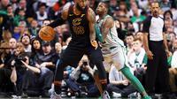 LeBron James jadi penentu kemenangan Cleveland Cavaliers atas Boston Celtics (http://www.bola.com/indonesia/read/3278022/persib-kembali-gunakan-si-jalak-harupat-sebagai-markas-tim?HouseAds&campaign=Persib_Home_STS1)
