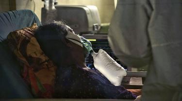 FOTO: Berjibaku Melawan Gelombang Virus Corona COVID-19 di Indonesia