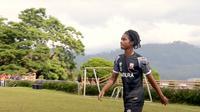 Pemain muda Madura United, Ronaldo Kwateh. (Bola.com/Aditya Wany)