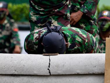 Atraksi Memukau Prajurit TNI Yonif Raider 112/Dharma Jaya