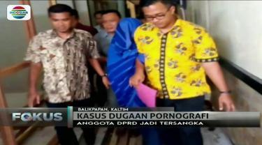 Andi Walinono, anggota DPRD Balikpapan ditahan polisi lantaran menyebarkan foto bugil yang diduga selingkuhannya ke media sosial.