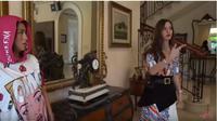 Jessica Iskandar di rumah Nia Ramadhani. (foto: Youtube 'Jessica Iskandar')