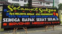 Balai Kota Medan dikirimi karangan bunga misterius. (Liputan6.com/Reza Efendi)