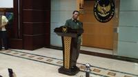 Menko Polhukam, Mahfud Md, di kantornya, Jumat (28/2/2020). (Liputan6.com/Yosafat Diva Bayu Wisesa)