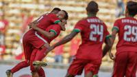 Para pemain Timnas Indonesia merayakan gol yang dicetak oleh Ezra Walian ke gawang Kamboja di Stadion Shah Alam, Selangor, Kamis, (24/8/2017). Indonesia menang 2-0 atas Kamboja. (Bola.com/Vitalis Yogi Trisna)