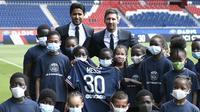 Lionel Messi mengaku senang bakal bahu membahu bersama Neymar dan Kylian Mbappe di lini depan Paris Saint-Germain. Messi tak sabar untuk bisa segera bermain dengan Neymar dan Mbappe.