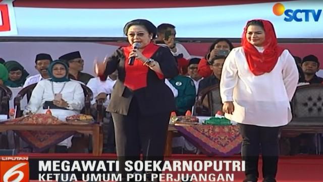 Di depan ribuan pendukung yang menghadiri kampanye, Megawati berpesan untuk memenangkan pasangan Gus Ipul - Puti.