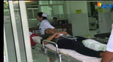 Tim medis Rumah Sakit Panti Rapih Yogyakarta hingga Senin siang masih merawat Romo Prier dan dua anggota jamaat.