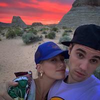 Hailey Baldwin - Justin Bieber (Instagram/ justinbieber)