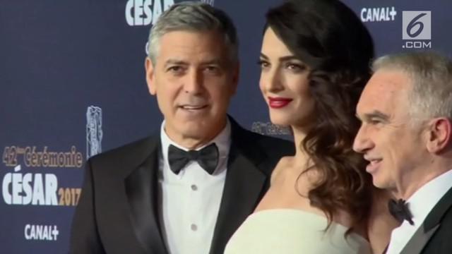 George Clooney jadi aktor dengan penghasilan tertinggi di dunia yang dirilis oleh Forbes. Sebagian besar penghasilannya adalah dari hasil penjualan perusahaan tequila.