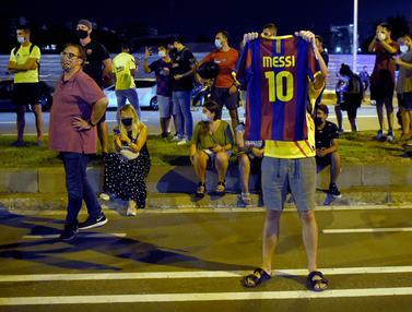 Geruduk Kantor Barcelona, Fans Minta Lionel Messi Bertahan dan Josep Bartomeu Mundur