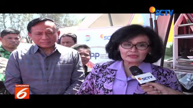 Istri panglima TNI, Nanik Istuma Wati  mengunjungi dan memberikan bantuan kepada korban gempa di Lombok Utara.