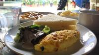 R&B Deli menawarkan sarapan mewah ala hotel bintang lima dengan harga merakyat (Liputan6.com/ Switzy Sabandar)