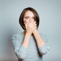 ilustrasi perempuan kaget/copyright Shutterstock
