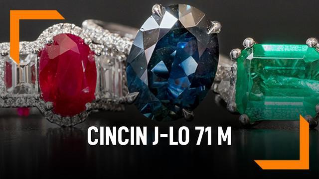 Jennifer Lopez resmi bertunangan dengan Alex Rodriguez, ia diberi cincin bertahtakan berlian.