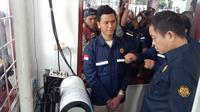 Menteri ESDM Ignasius Jonan mengunjungi Pos Pengamatan Gunung Api (PGA) Gunung Tangkuban Parahu di Subang, Jawa Barat, Selasa (27/8/2019). (Liputan6.com/Huyogo Simbolon)