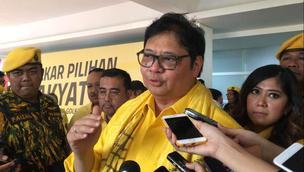 Ketua Umum Partai Golkar Airlangga Hartarto Usai Menggelar Kampanye Akbar di Istora, Senayan, Jakarta. (Foto: Merdeka.com)