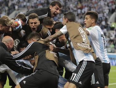 FOTO: Bek Manchester United Antar Argentina ke Babak 16 Besar