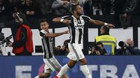 Benatia (kanan) dan Dybala sama-sama cetak gol untuk Juventus saat kalahkan AC Milan
