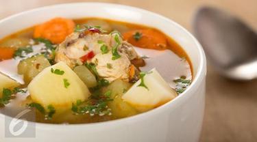 Ilustrasi sop ayam.