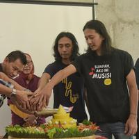 Setelah 23 tahun menghilang, grup band Kidnap Katrina kembali. Lagu Kesepian diluncurkan sebagai tanda grup ini kembali meramaikan industri musik Tanah Air. (Adrian Putra/Bintang.com)