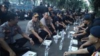 Kapolda Kalsel Irjen Yazid Fanani Saat Meninjau Para Anggotanya yang Bertugas Mengamankan Jakarta di Sekitar Bundaran Hotel Indonesia, Jakarta. (Foto: Istimewa)