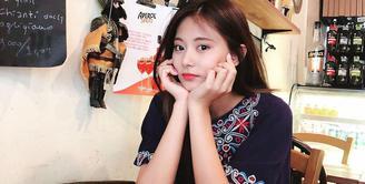 Tzuyu merupakan salah satu personel TWICE yang populer, ia mempunyai banyak penggemar baik dari kaum laki-laki maupun perempuan. Namun di balik wajahnya yang cantik, ia ternyata pribadi yang tertutup. (Foto: instagram.com/queentzuyu)