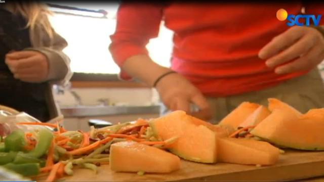 Akibat mengonsumsi melon yang telah terkontaminasi bakteri Listeria Mono Cyto Genes, empat warga Australia tewas.